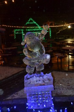 Ice Sculptors at Lake Compounce