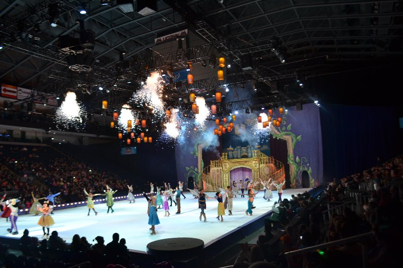 Enter the world of Disney magic LIVE ON ICE with four of your favorite stories at Disney On Ice presents Worlds of Enchantment! See Lightning McQueen, Mater and the Disney•Pixar's Cars race across the ice! Dive into undersea fun with Ariel in The Little Mermaid's kingdom.