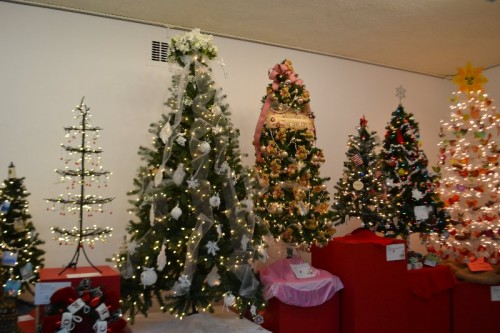 Festival of Trees & Traditions Wadsworth Atheneum