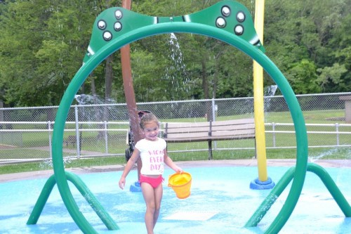 Fernridge Park Splash Pad West Hartford CT (30)