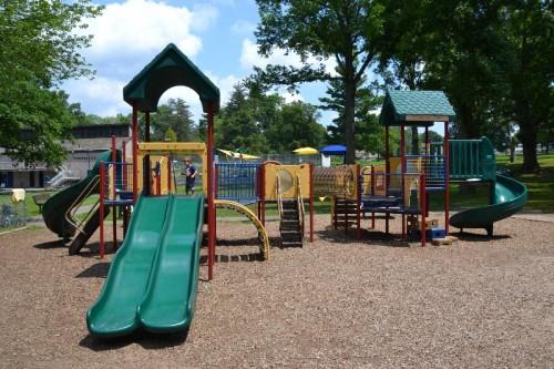 Fernridge Park Splash Pad West Hartford CT (60)