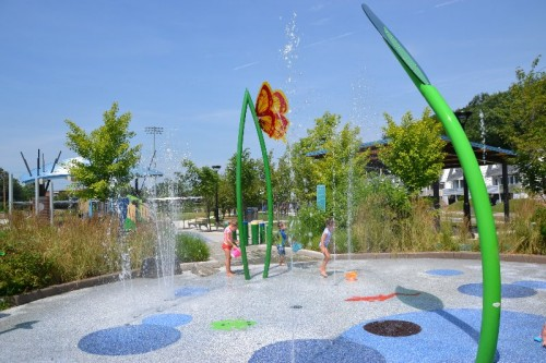 Villano Park Splash Pad Hamden CT (30)