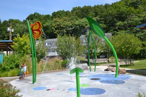 Villano Park Splash Pad Hamden CT (35)