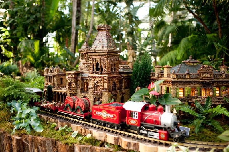 Giveaway new york botanical garden holiday train show ct mommy blog for New york botanical gardens train show