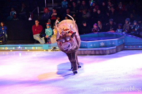 Disney on Ice Frozen_Sven